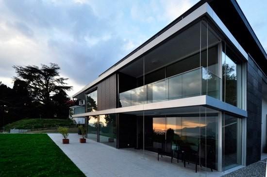Case luminose con panoramah oltre le porte for Grandi planimetrie per le case